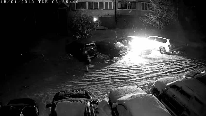 Сотрудники УМВД России по городу Сыктывкару разыскивают подозреваемого в уничтожении автомобиля марки Honda Accord