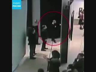 Момент похищения полотна Куинджи попал на видео