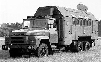 Кислорододобывающая станция АКДС-70М2 на 240-сильном шасси КрАЗ-250 Станция использует базовое шасси КрАЗ-250 грузоподъемностью 14 575 кг с укороченной по сравнению с серией 257 колесной базой