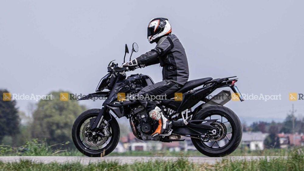 Шпионские фото нового мотоцикла KTM 790 SMC 2020