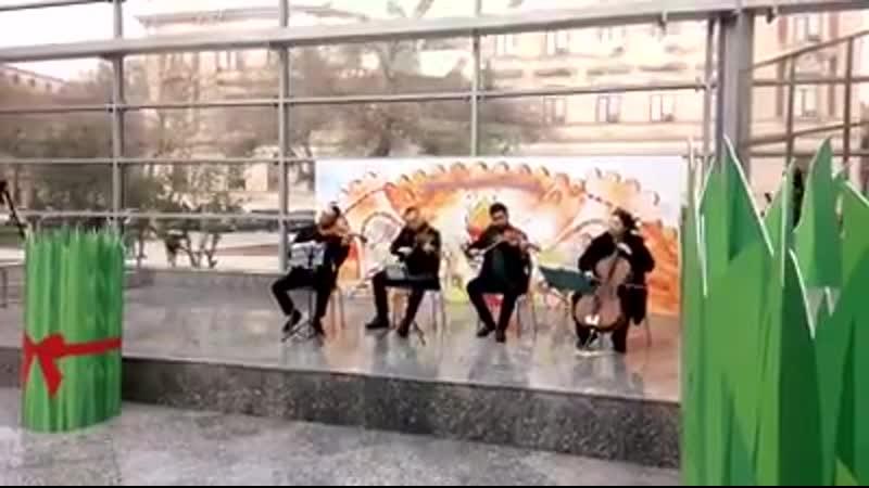 Концерт в метро в Баку в честь Новруза. Больше про праздник тут 🎈💥🔥 bit.ly2TlqL1w