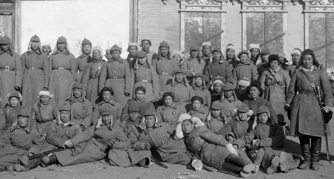 Бойцы монголы