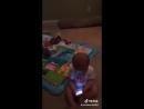 Малыш кипишует