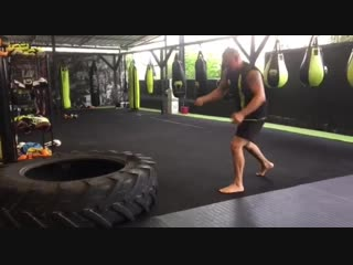 Good Old Boxing - Работа с кувалдой(2)