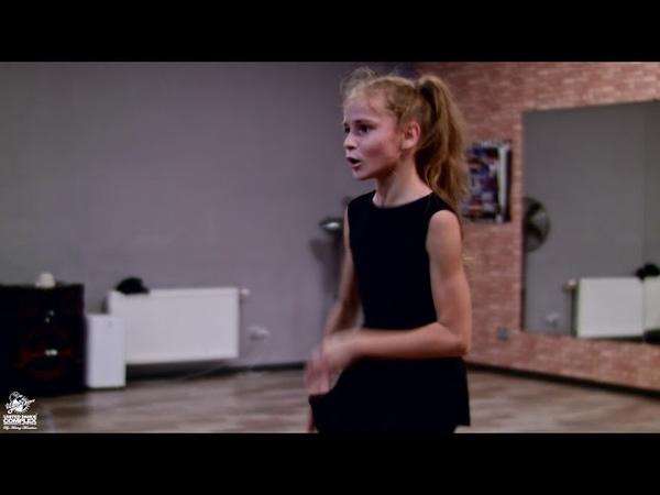 Freestyle class in dance studio