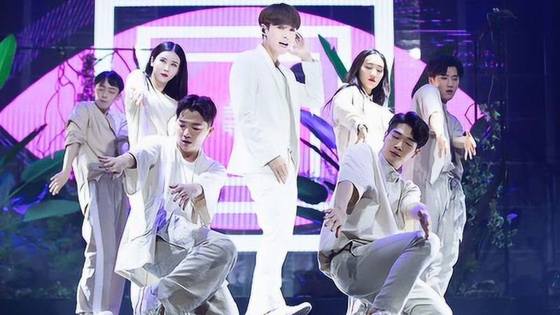 181021 Zhang Yixing LAY 《NAMANANA》 Chinese Ver First LIVE @ YO Bang