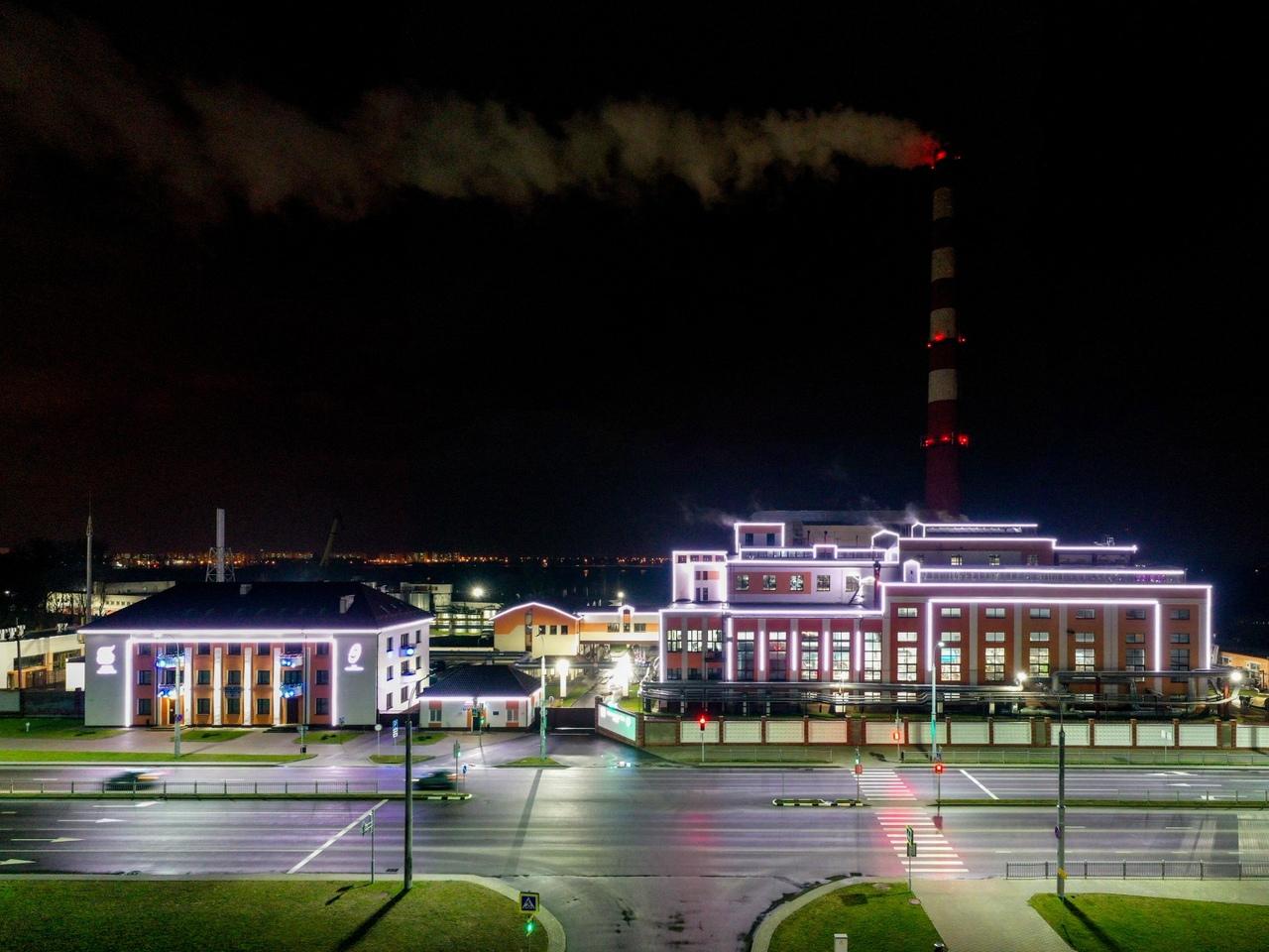 Посмотрите, как красиво в этом году подсвечена ТЭЦ в Бресте