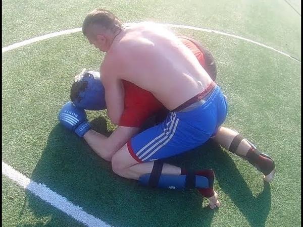 Уличное мма парней из Сибири,борьба уличного боксёра