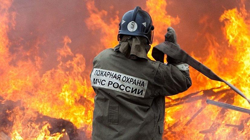 Пожар в Зеленчукской оставил людей без крыши над головой