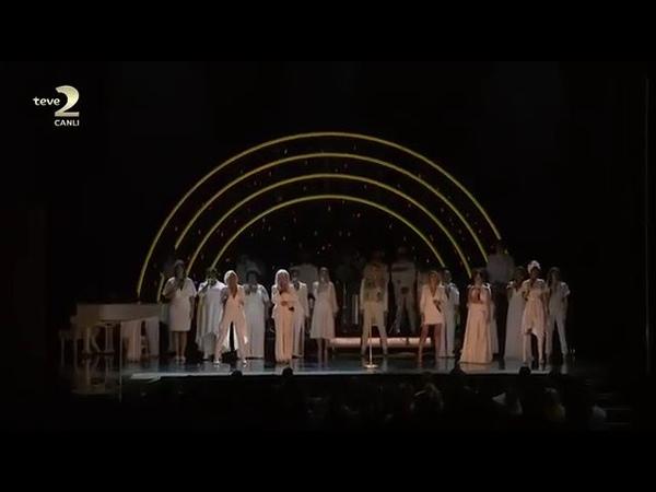 Kesha - Praying ft. Andra Day, Camila Cabello,Julia Michaels,Bebe Rexha (Live in the Grammy 2018)