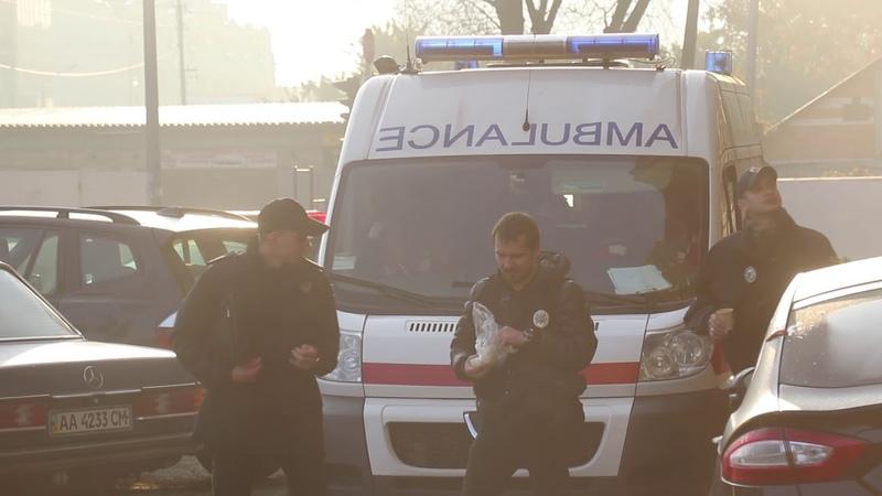 (18) В Киеве мужчина выпил виски и выпрыгнул с 24 этажа