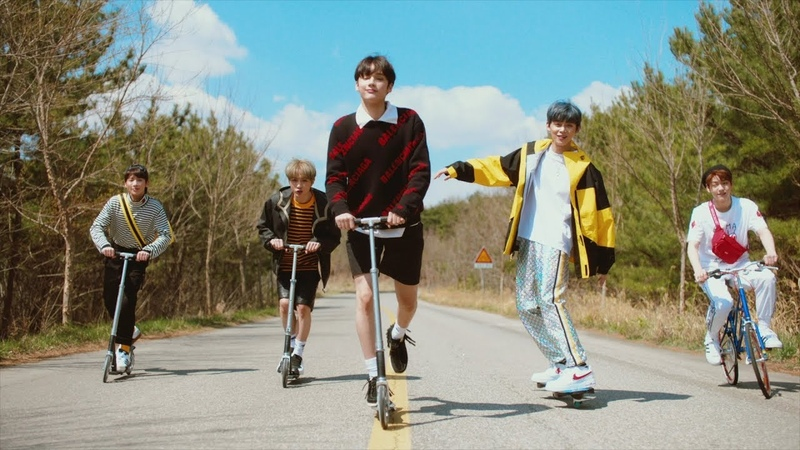 TXT (투모로우바이투게더) 'Cat Dog' Official MV (English ver.)
