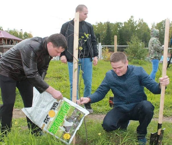 Усть-Илимские полицейские создали «Аллею Славы»