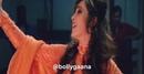 """𝕆𝕝𝕕 𝕓𝕠𝕝𝕝𝕪𝕨𝕠𝕠𝕕 auf Instagram: """"🧡🍂 Song: Meri mehbooba Movie: Pardes shahrukhkhan mahimachaudhry merimehbooba pardes kumarsanu alkayagni"""