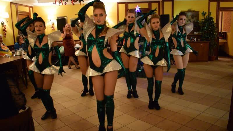 Танцующие елочки ! Видеограф Ирина Данилина.