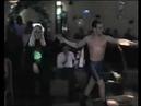 Депутат танцует стриптиз