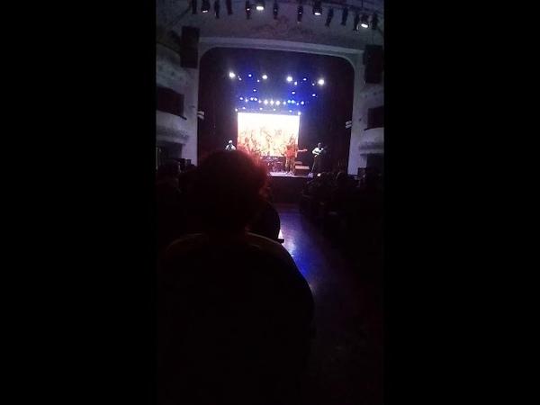 Добавил видео 2 от 19 05 2019г это я на концерте Голубые береты в г Владивосток