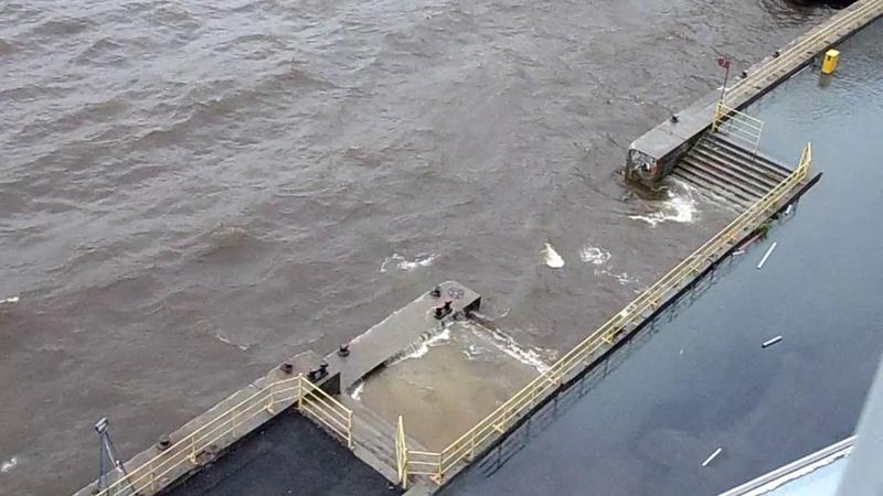 Архангельск. Шторм над Северной Двиной 22 августа 2018 года