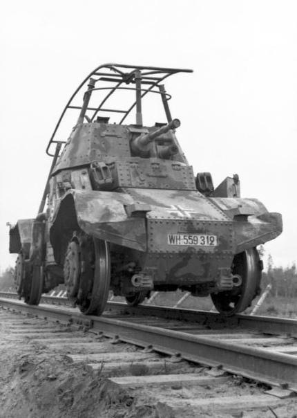 Panhard P178 в роли бронедрезины железнодорожной разведки, в составе вермахта, Восточный фронт, 1942