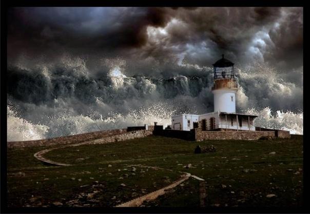 КАК ЖИЛИ СМОТРИТЕЛИ МАЯКОВ ВЕК НАЗАД Служить смотрителем маяка занятие определенно не для слабаков. Эти люди живут в одиночестве, переживают жестокие шторма, а в случае кораблекрушения