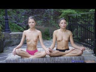 Rebecca Volpetti and Talia Mint - Massage Rooms [Lesbian]