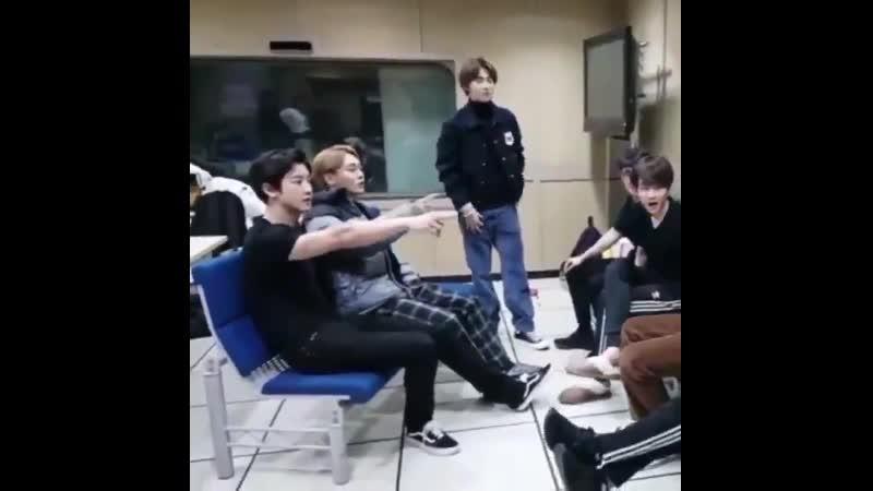 181111 Vlive CY pat the chair Sit down JD Okay formally sit next to CY ฅ́ฅ̀ chanchen