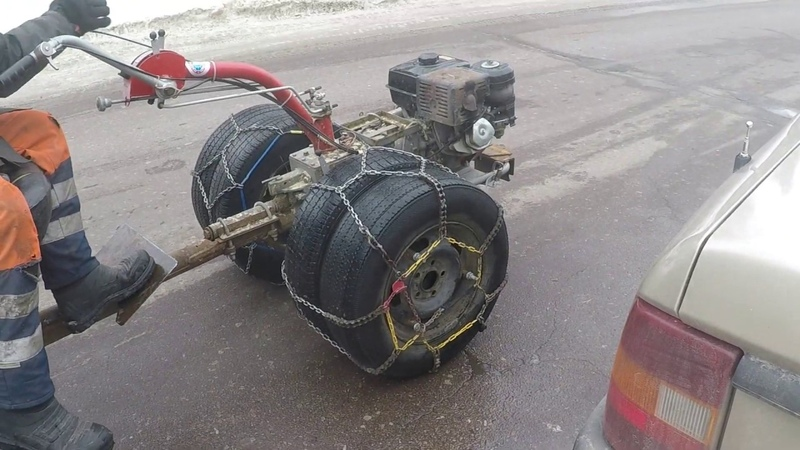 Самый быстрый мотоблок уже на спаренных колесах с цепями