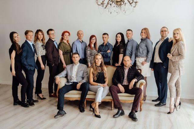 Информацию о лицензии строительной фирмы «Авторитет» смотрите на сайте ck-avtoritet.ru, о лицензиях банков – на сайте данных финансовых учреждений. Информация о процентных ставках по ипотечным кредитам, предоставленная АН «Новожилов», действительна на 31 мая 2019 года.