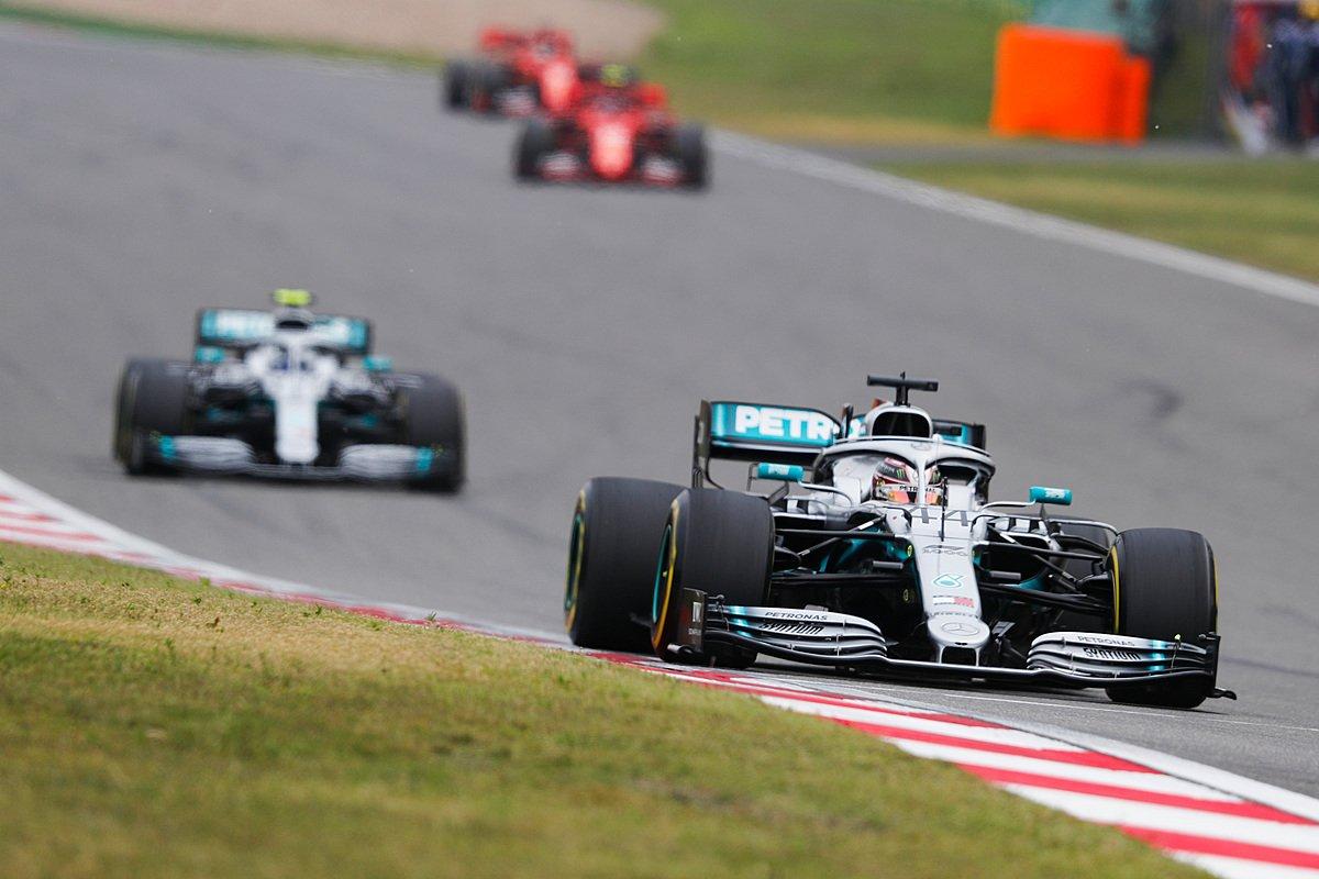 Гонщики Mercedes на гран-при Китая 2019 года