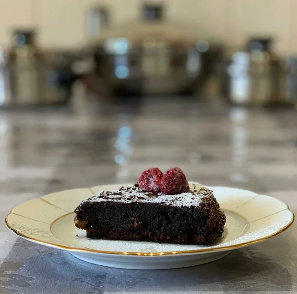 Вкусный пирог на сковородке на плите: рецепт