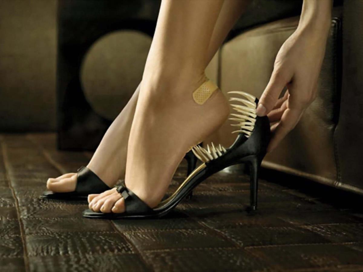 Уловка, с помощью которой можно проверить, удобны ли туфли на каблуках, даже не примеряя их