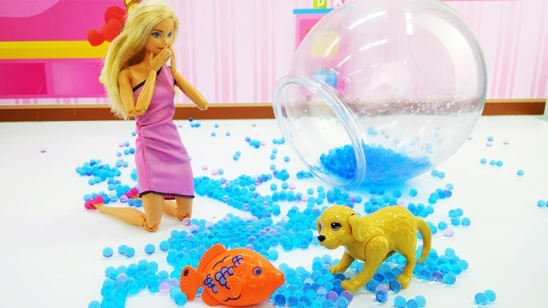 Kukla oyunu. Barbie balık aldı! Çocuk videosu