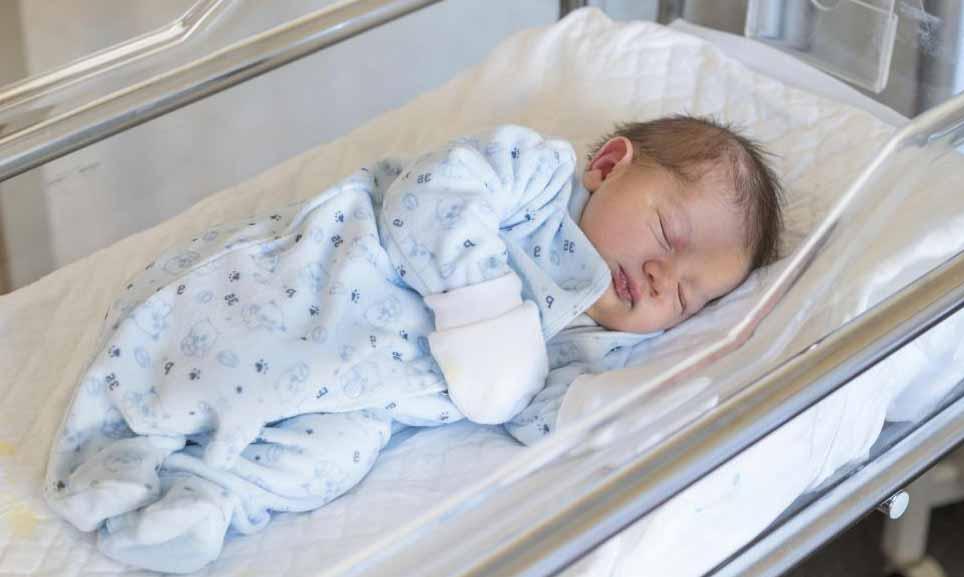 Больничные халаты бывают разных размеров, включая те, которые подойдут ребенку