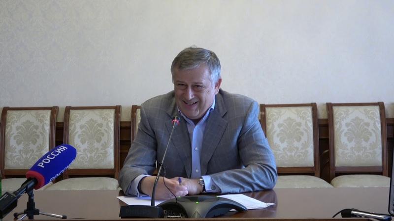 Прямая линия с Александром Дрозденко детские сады, водо- и газоснабжение, содержание домов