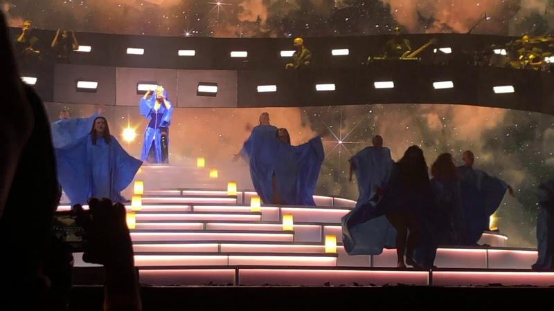 Christina Aguilera - The Xperience - Maria (Live)