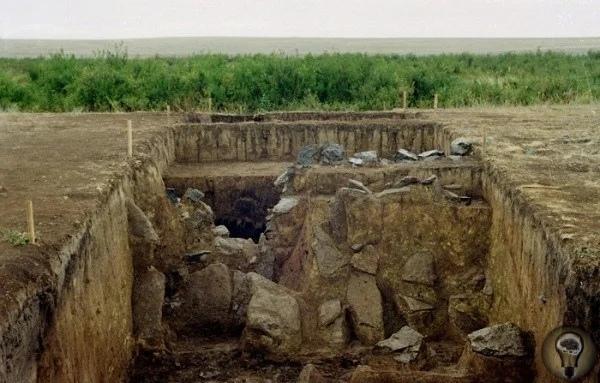 Городище Аландское: побратим Аркаима, который до сих пор не исследован археологами На границе Оренбургской и Челябинской областей расположен уникальный археологический памятник Аландское