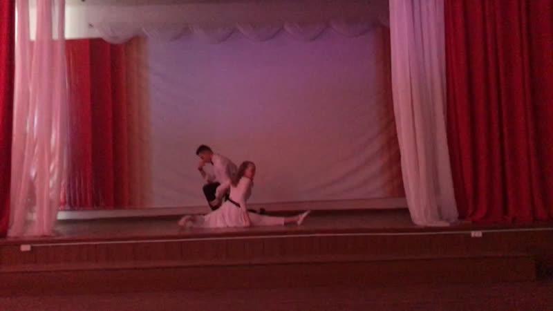 ⭐️Танец⭐️ Арина Раздрогова(7в) и Панфиль Алексей (8в), хореограф - Рудюк Софья.