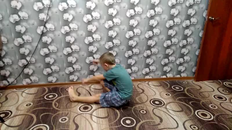 Куликов Михаил Приседания на одной ноге