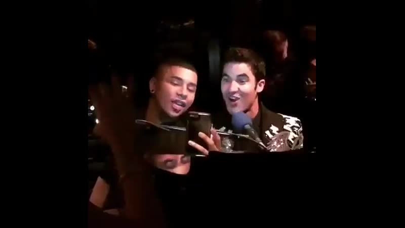 VIDEO Ohhh Champs Elysées  - Starting the weekend on a good note with Darren Criss and Olivier Rousteing in addition to being