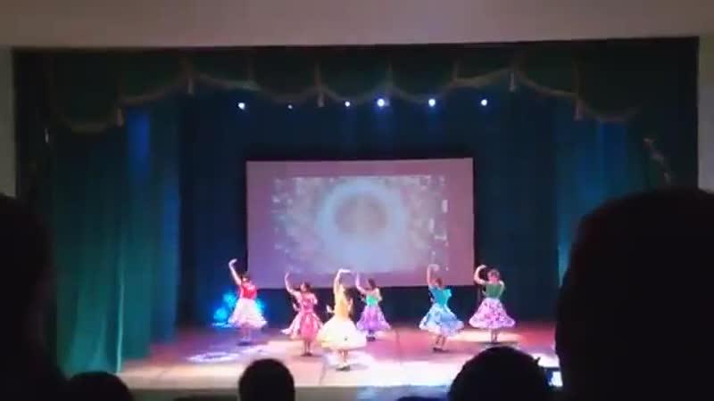 Танец Девчата. Отчетный концерт Мы в движении2017