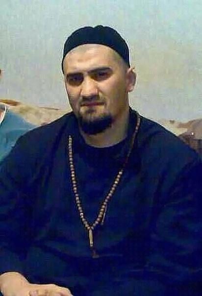 Биография Тимура Муцураева и его творчество Биография Тимура Муцураева интересует не только жителей его родной Чечни, но и представителей других национальностей, ведь свои песни знаменитый певец