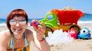 Игры с машинками. Маша Капуки на пляже строит горку и бассейн! Видео для детей.