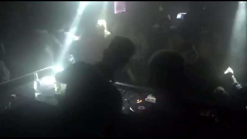 Alex Twitchy Live at FLAT Krasnoyarsk [Track ID : Alex Twitchy - The Ground]