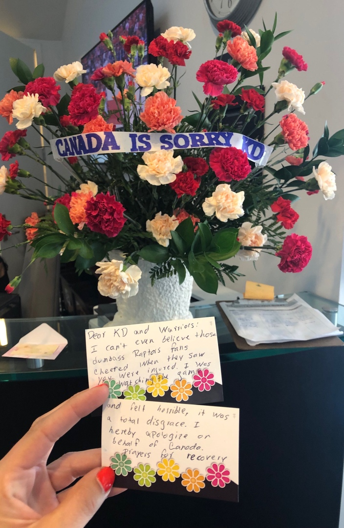 Болельщик «Торонто» выслал Дюрэнту цветы с извинениями за поведение фанатов после его травмы