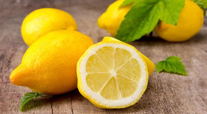самые полезные эфирные масла: Лимон