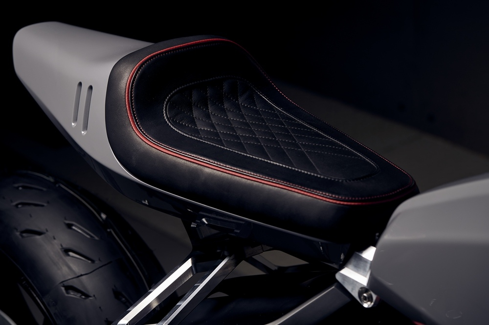 Blacktrack Motors: кафе рейсер Harley-Davidson Fat Bob 114 FXFBS