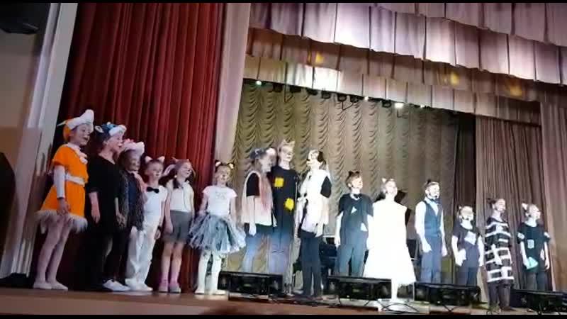 Финальная песня мюзикла Коты на крыше, ДК Мосрентген, 23 мая 2019 г,