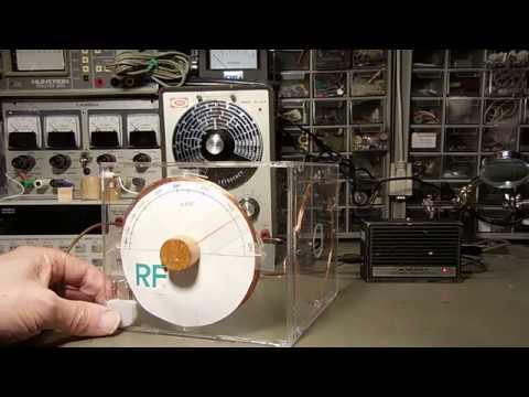 A Minimalist Regenerative Radio