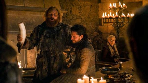 Эмилия Кларк рассказала, по чьей вине в кадре «Игры престолов» оказался стаканчик Starbucs