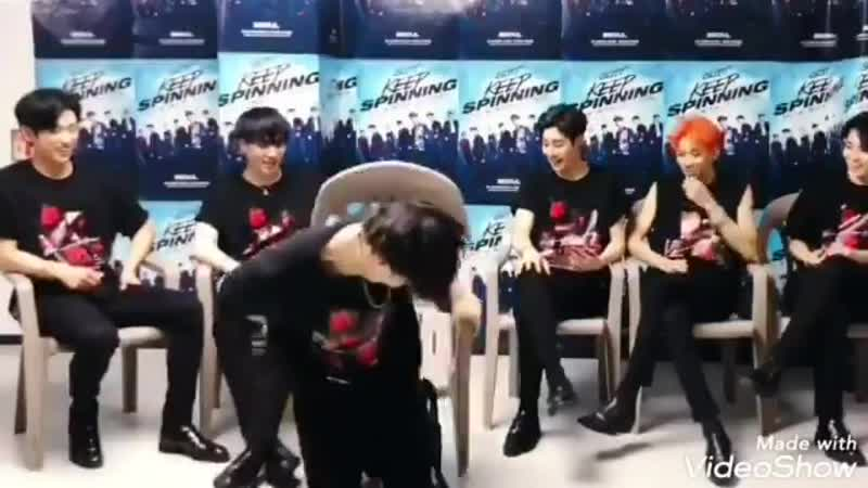 LOL JAEBEOM FELL OFF THE CHAIR!! MARKS LAUGH